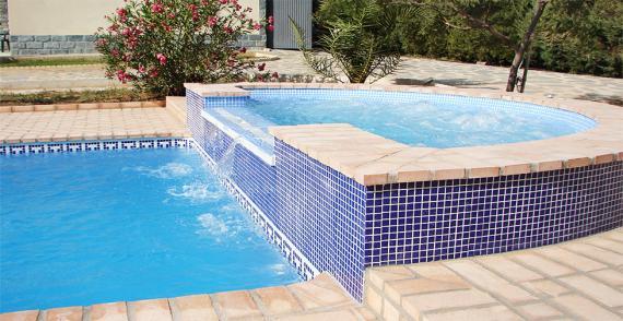 Productos para piscinas fabulous floculante lquido para for Compra de piscinas